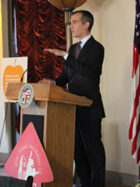 garcetti-speaking-crop-city-district-1-300x267